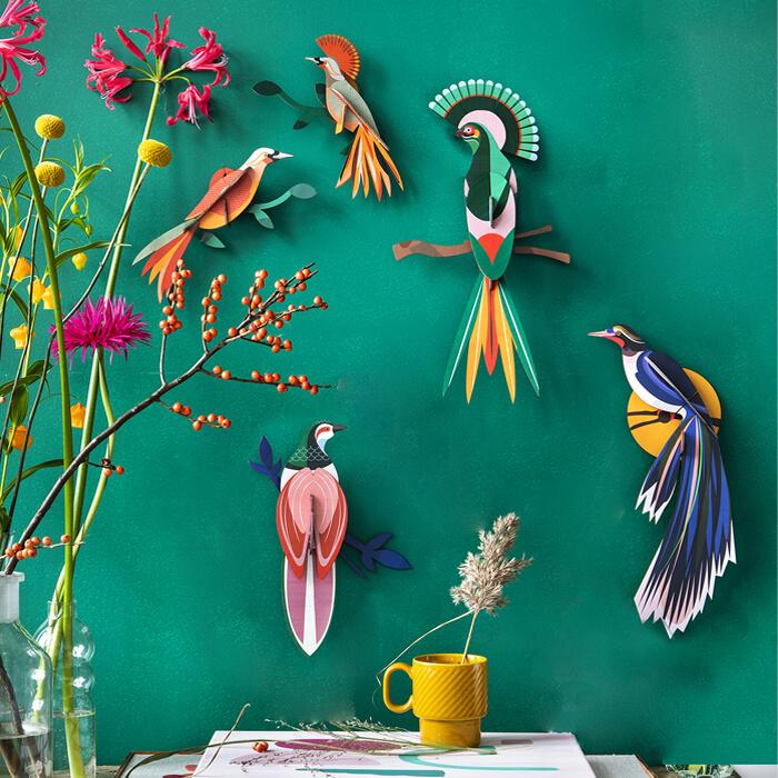 Decorare la parete camera bambini con uccelli di carta