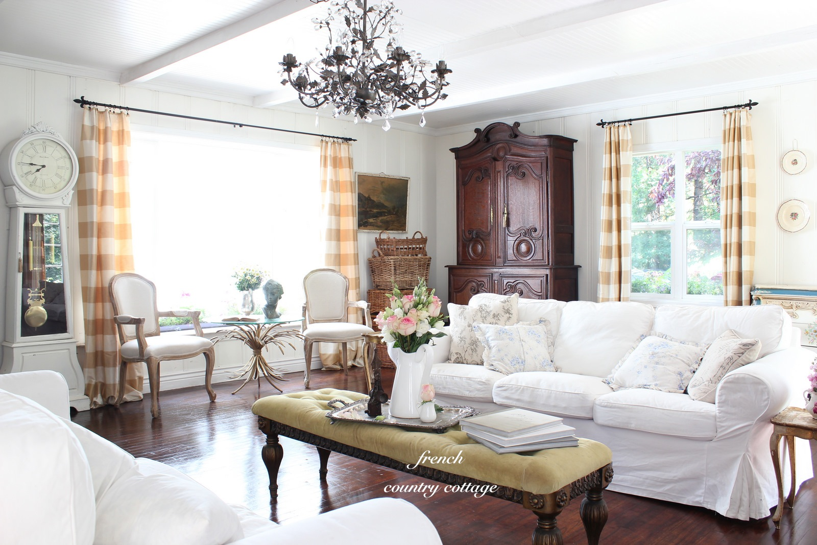 summer living room french country cottage. Black Bedroom Furniture Sets. Home Design Ideas