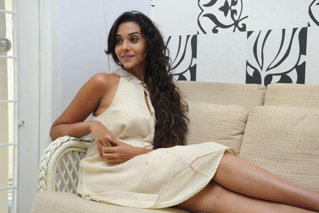 Beautiful anu priya hot photos gallery in white