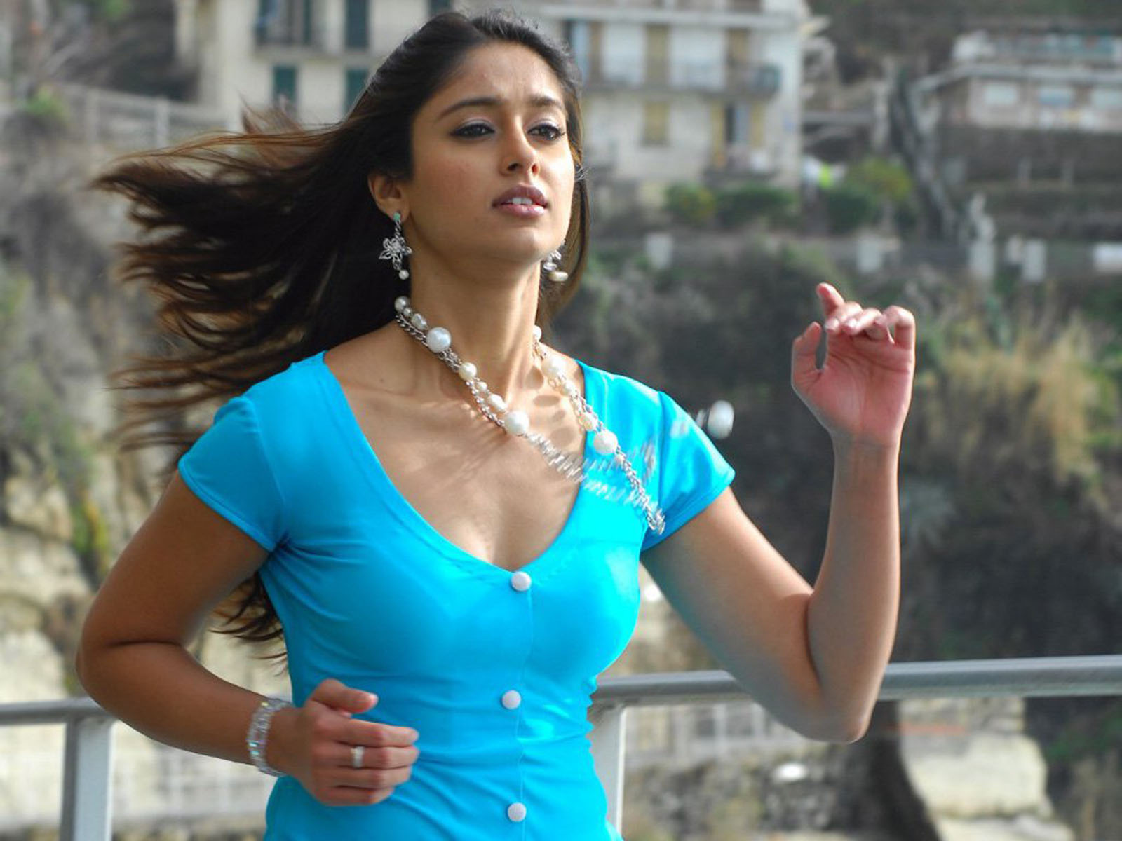 Ileana Dcruz Hd Wallpapers Cameo Ammayi