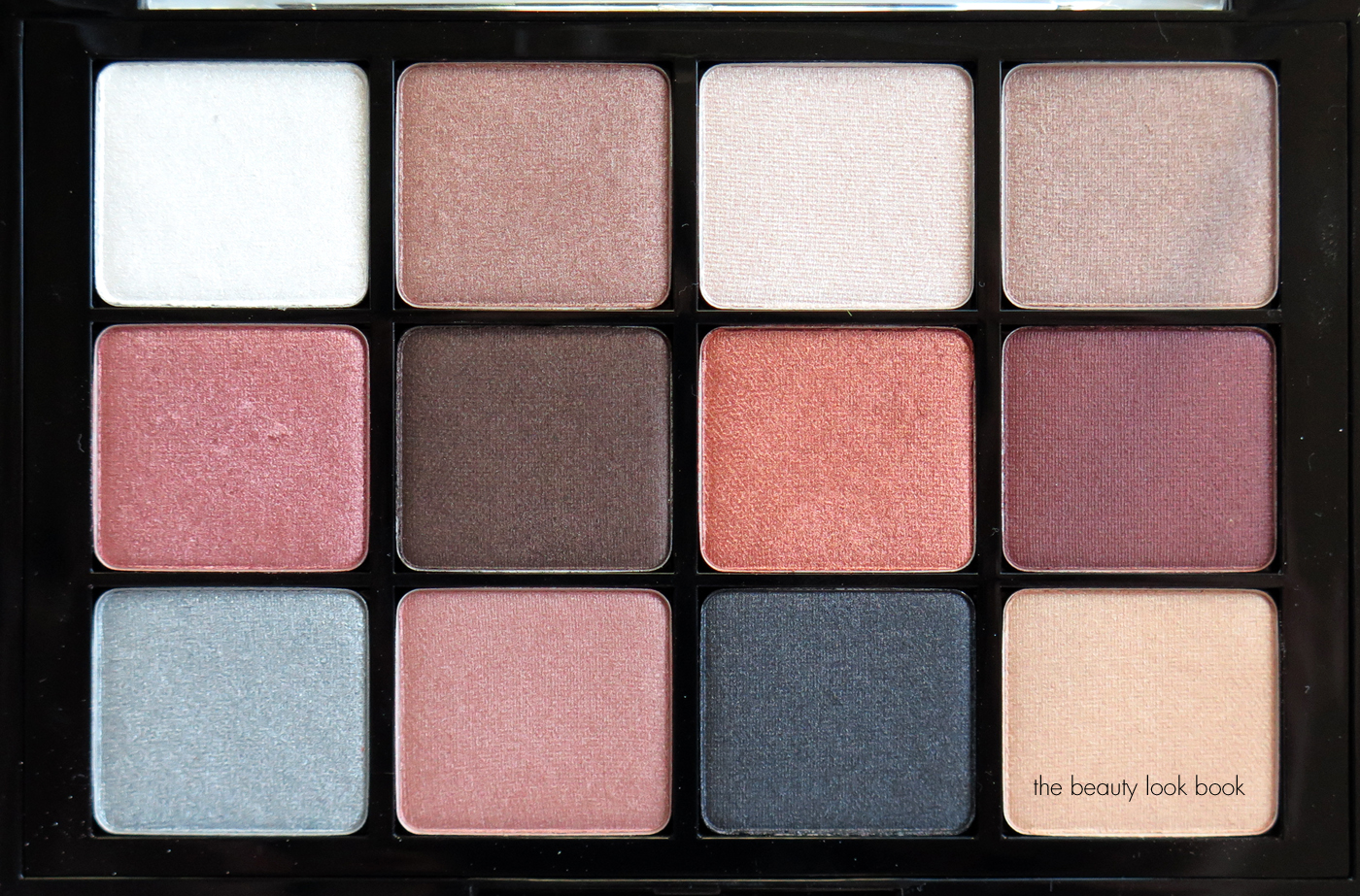 Viseart Makeup Palette Saubhaya 06 Paris Nudes Indoor Natural Light No Flash You Can See The Base And Undertone Better