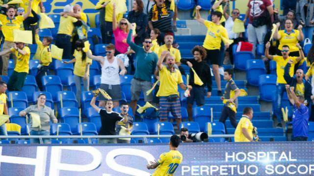 Celebración del gol de Araujo