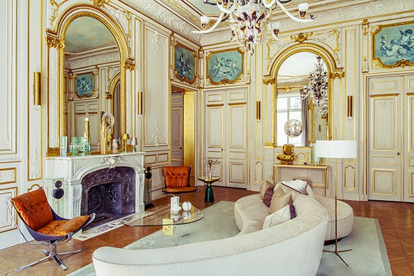 There Is Nothing Like A Classic Parisian Apartment Complete With Gilded  Moldings And Ceilings, Fabulous Parquet Floors And Contemporary Furniture.