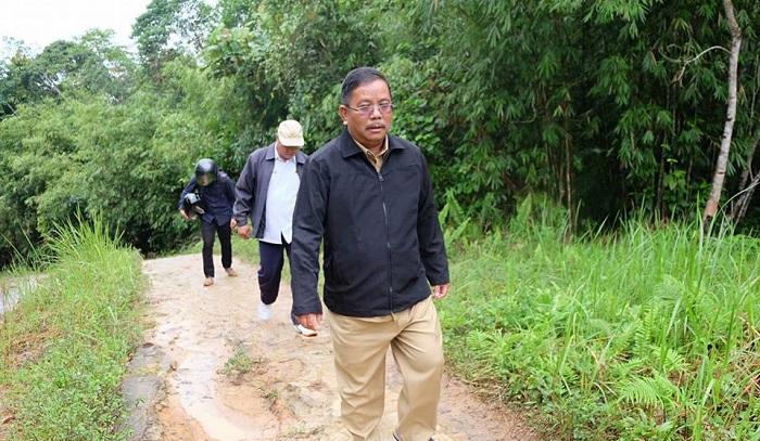 Cerita Kunker Bupati dan Wakil Bupati Ke Sunsong Mulai Dari Jalan Kaki, Naik Motor Sampai Kehujanan