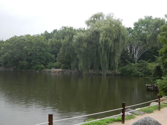 garden in the Changgyeongung palace