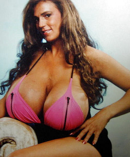 busty-heart-poster