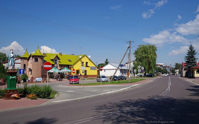 http://fotobabij.blogspot.com/2016/08/chodel-ul-mostowa-pistacjowy-dach.html