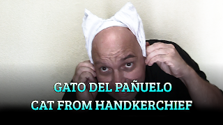 Orejas de gato del pañuelo, CHAPEAUGRAPHY, Cat's ears from handkerchief