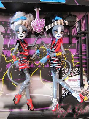 Две куклы кошки Монстер Хай: блондинка Мяулодия и брюнетка Пурсефона