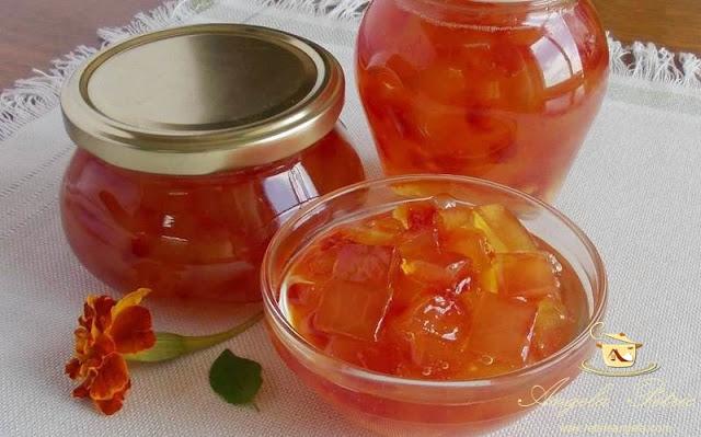 Dulceata din coji de pepene rosu
