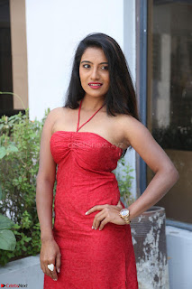 Mamatha sizzles in red Gown at Katrina Karina Madhyalo Kamal Haasan movie Launch event 203.JPG