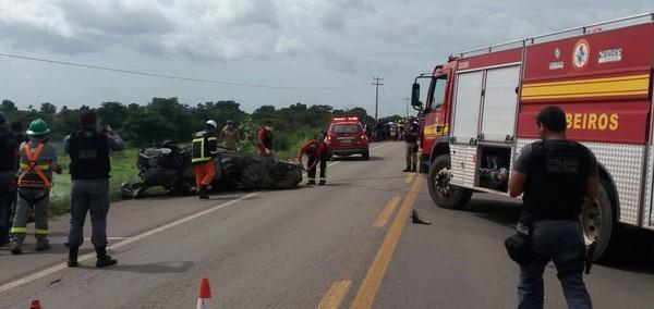 VÍDEO - Veículo é tomado por chamas e quatro pessoas morrem carbonizadas em rodovia no Maranhão