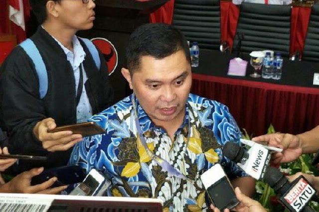 Direktur Cyber Crime Mabes Polri Brigjen Pol Fadil Imran dalam diskusi Melawan Hoax yang digelar di Kantor DPP PDI-P, Jakarta
