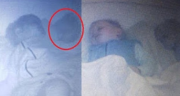 Ibunya Curiga Waktu Bayinya Tidur..! Lalu Memasang Kamera CCTV Di Kamar Bilik..!! Sekali Melihat Rakaman Ibunya Sangat Terkejut..! Ada Sesuatu Yang Menyera Makan..!!