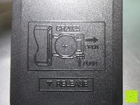 Anleitung Batteriefach: Yorbay® LED Weihnachtskerzen RGB/Warmweiß mit Fernbedienung mit Timerfunktion 10-100stk (20)