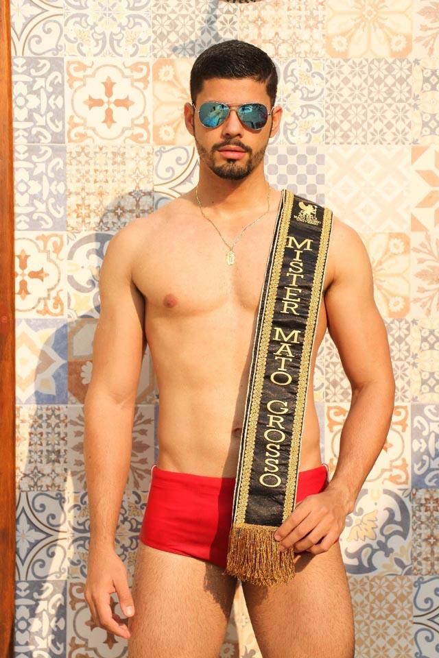 Miguel Leles, Mister Mato Grosso 2017, posa de sunga para ensaio. Foto - Katiane Padilha
