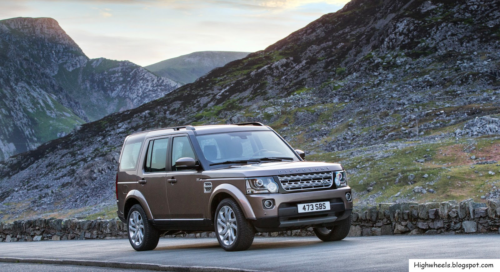 high wheels 2015 land rover discovery. Black Bedroom Furniture Sets. Home Design Ideas