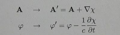 Transformación gauge de los potenciales vectorial y escalar