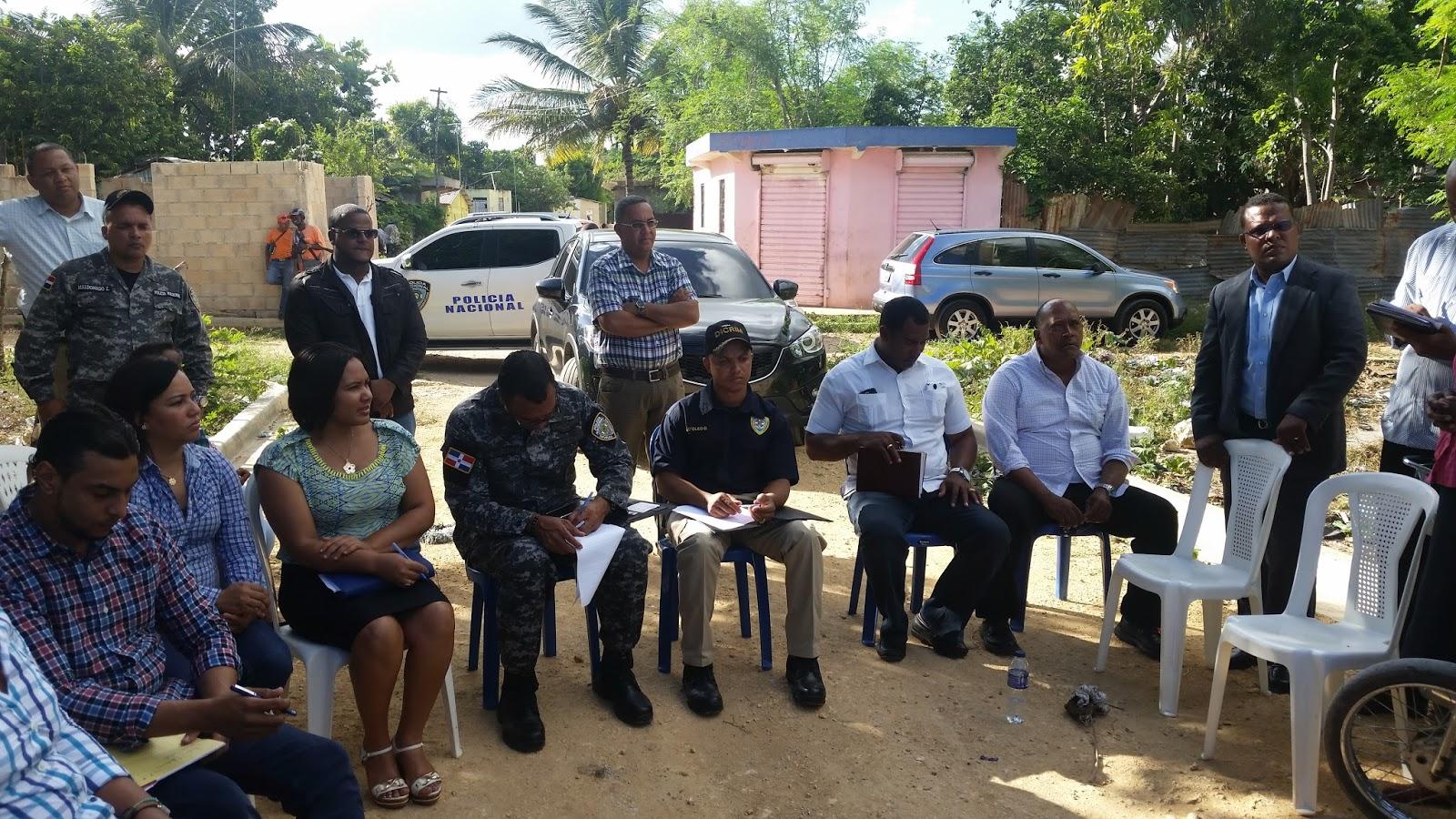 Ministerio publico y policia nacional realizan encuentro con moradores de sector villa for Ministerio policia nacional