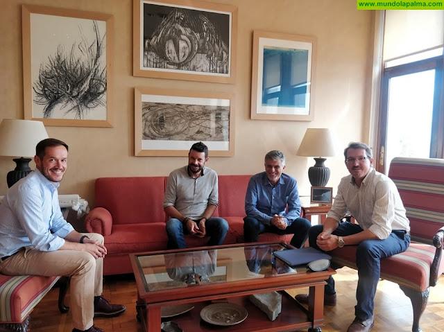 Mariano H. Zapata se reune con el Club Deportivo Vela Latina Benahoare