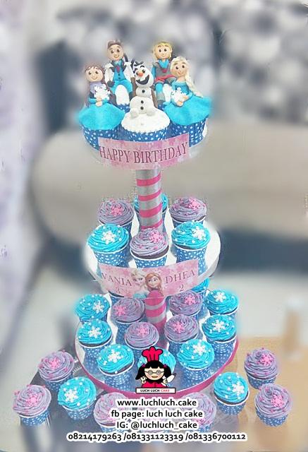 Cupcake Tier 3 Tingkat Tema Frozen