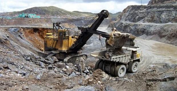 Encuentro para analizar las oportunidades de inversión en el sector minero de Ecuador