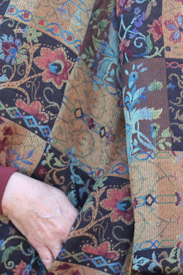 Style Maker Fabrics' Fall 2017 Style Tour - Patchwork Jacquard made into Vogue 9275 - side seams and pocket
