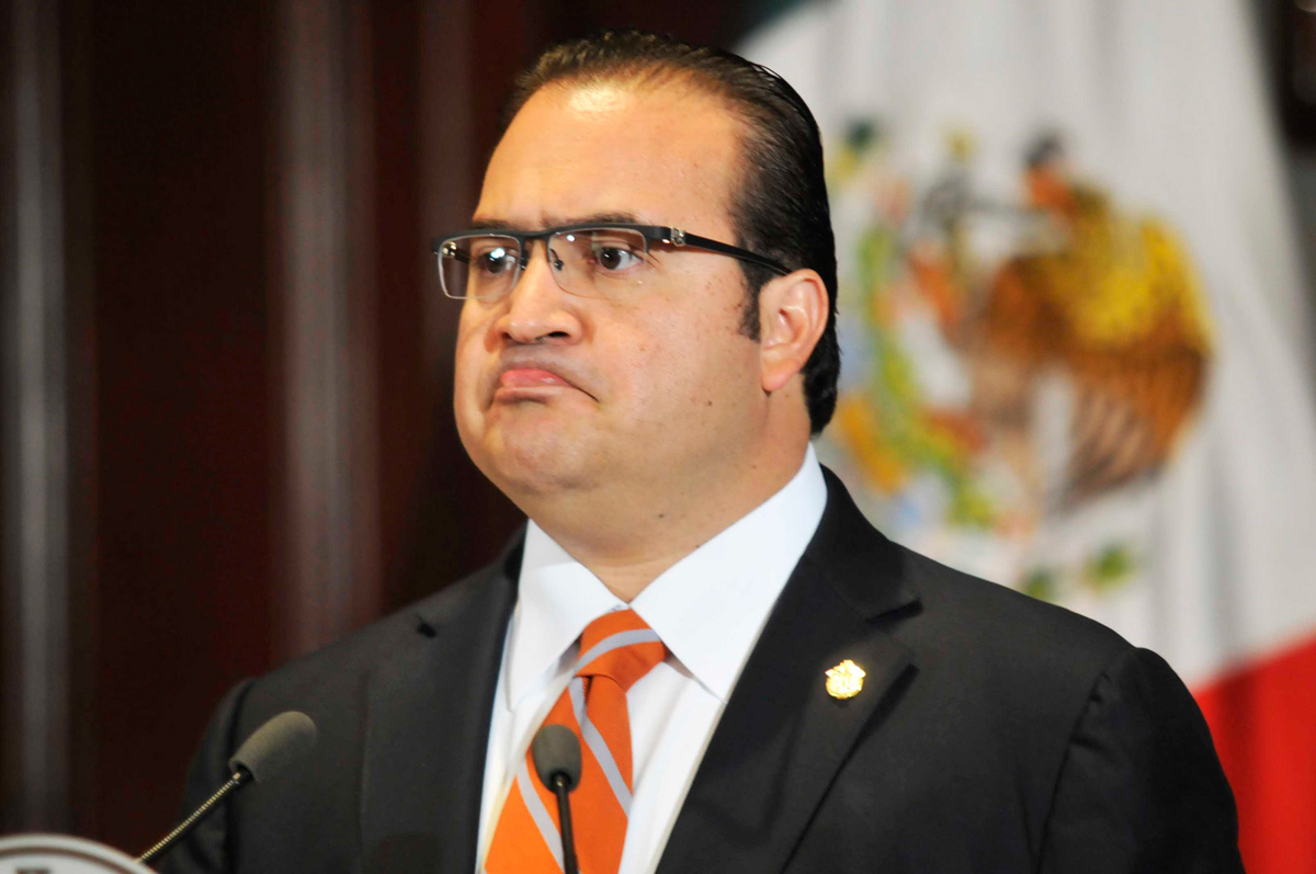 Ofrecen 15 mdp por la captura de Javier Duarte