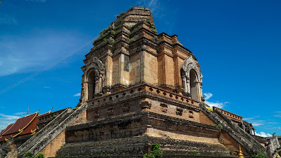 Chedi Luang, possibly the largest structure in ancient Chiang Mai