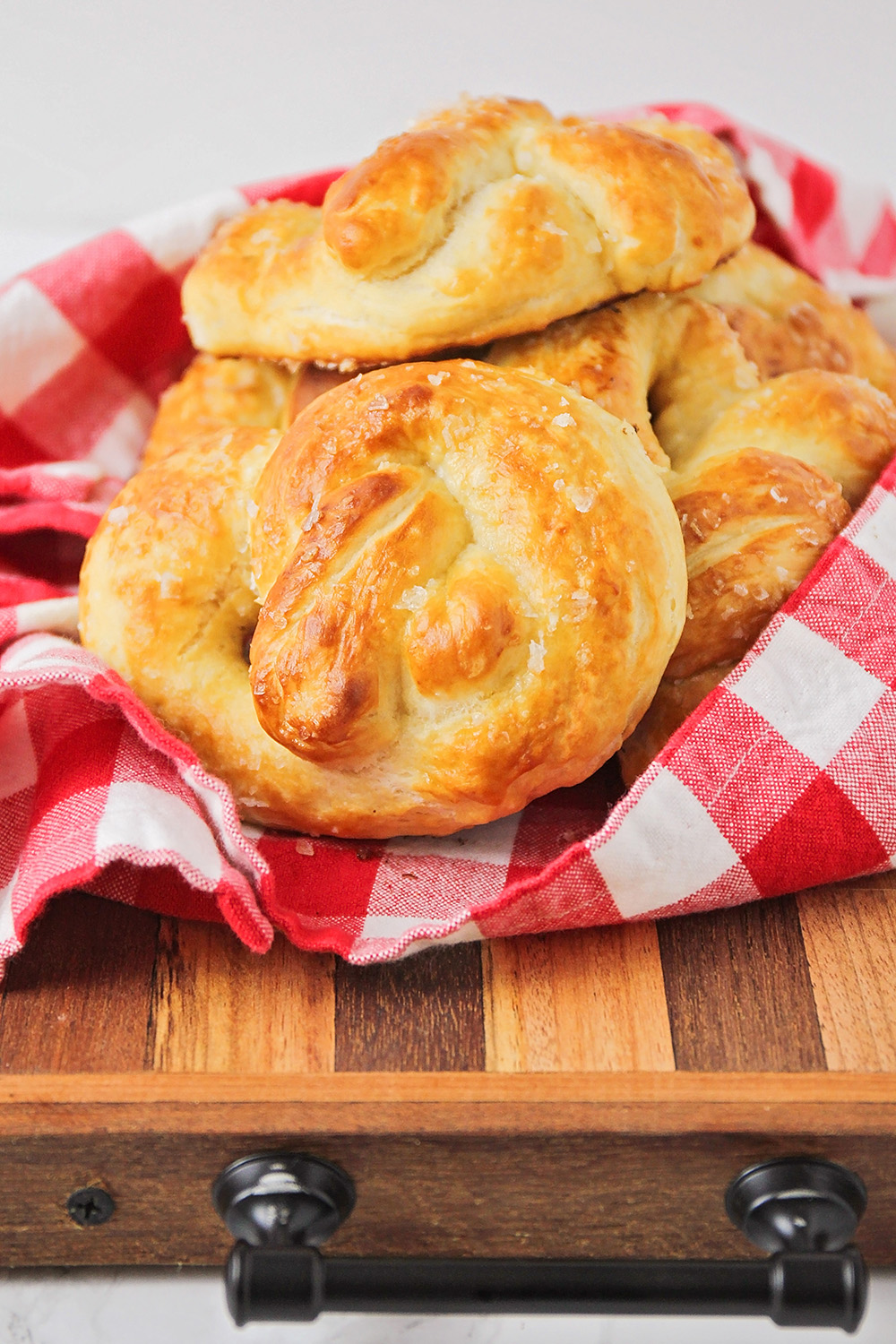 These homemade soft pretzels are just as delicious as the pretzels from the mall, and so fun to make!