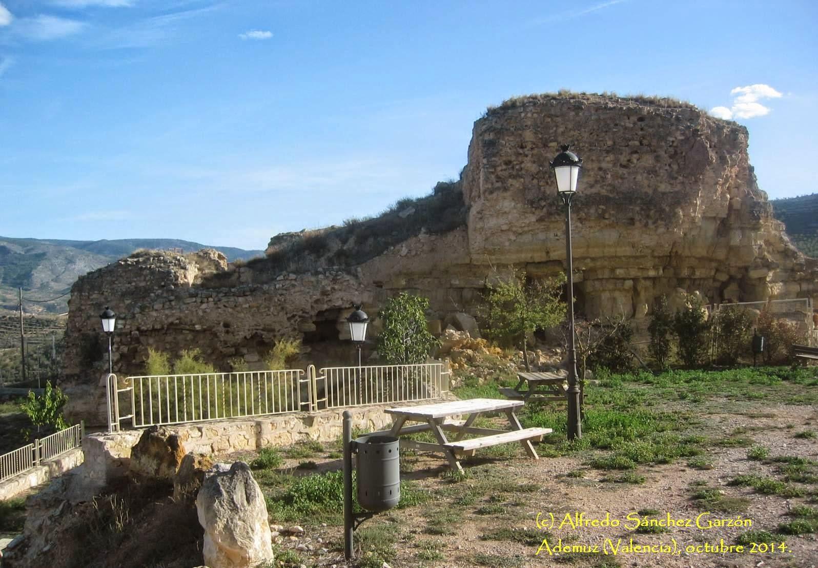 castillo-ademuz-fuente-mirador