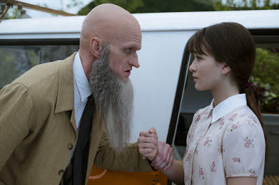 Lemony Snicket's A Series of Unfortunate Events Netflix Neil Patrick Harris and Malina Weissman Image 2 (37)