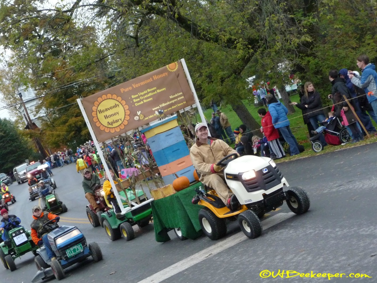 Tractor Parade Seat : Chronicles of a beekeeper wife