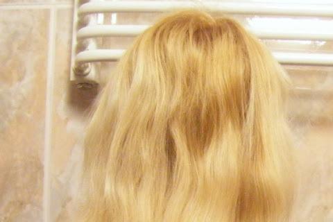 Pod lupą: pielęgnacja włosów Moniki - czytaj dalej »
