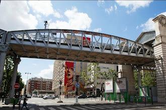Street Art : Rise Above Rebel - Intervention de Shepard Fairey aka Obey à l'angle du boulevard Vincent Auriol et de la rue Jeanne d'Arc - Paris 13