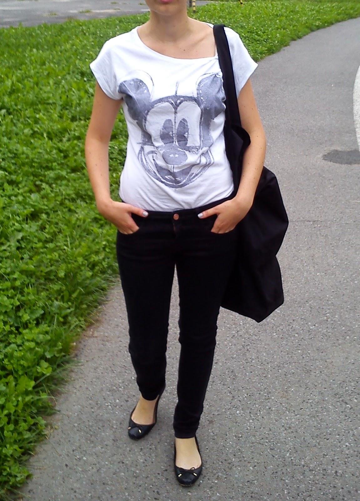 43bd293481d65 Tym razem torba Shanghai Ani Kuczyńskiej (podobną dostaniecie tutaj) oraz  t-shirt z motywem Myszki Miki marki Reserved.