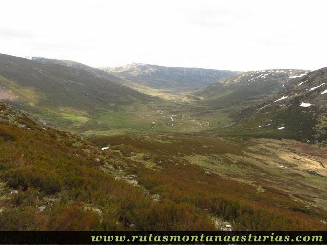 Bajando al Valle de Peña Trevinca