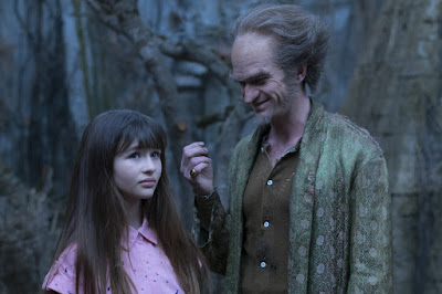 Lemony Snicket's A Series of Unfortunate Events Netflix Neil Patrick Harris and Malina Weissman Image (36)