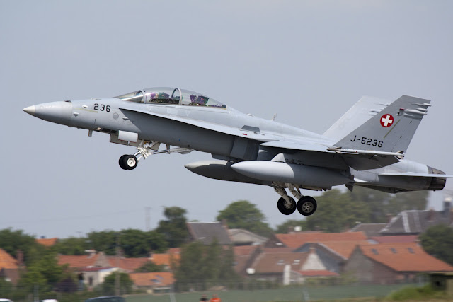 Image Attribute: Swiss Air Force F-18 03 by Rikkubeauty / DeviantArt.com