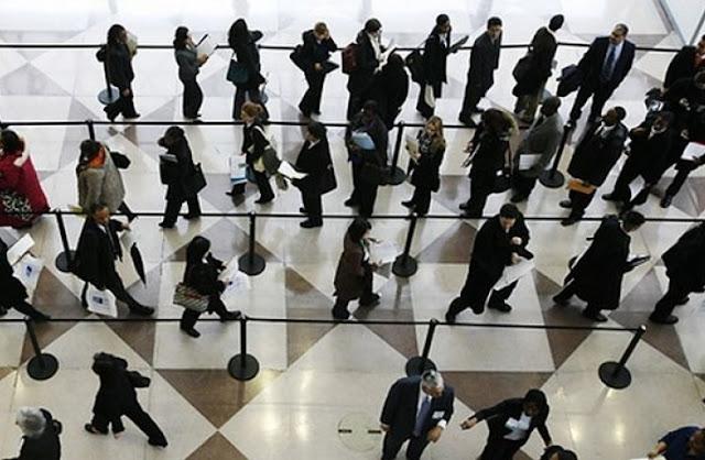 «Αγνοούνται» 49.936 υπάλληλοι του στενού και ευρύτερου Δημοσίου - Παίρνουν όμως κανονικά τον μισθό τους
