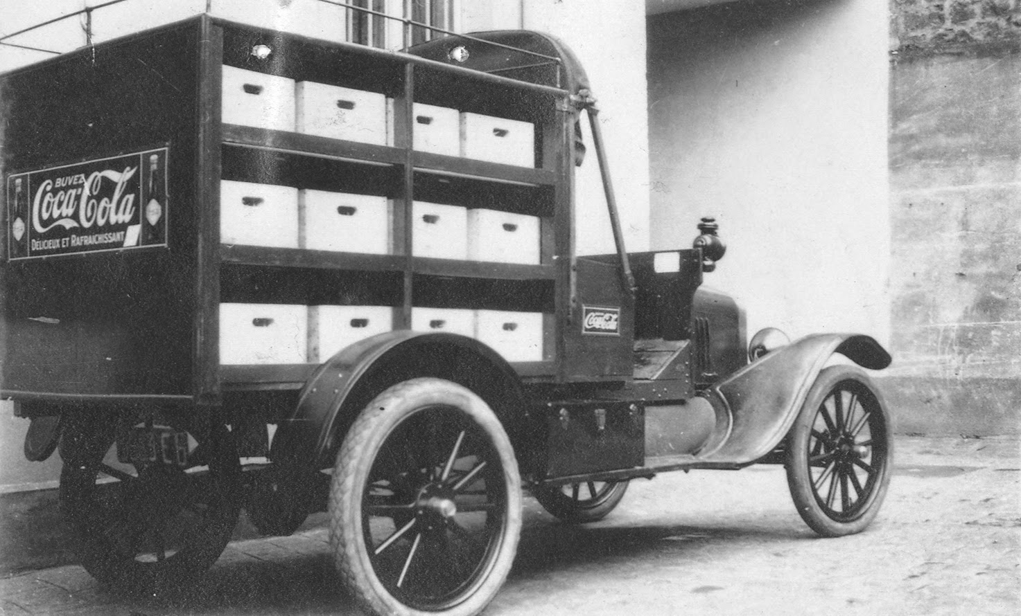 Vintage Photos Of Ford Coca Cola Delivery Trucks From Between The 1941 Panel Truck This Model T And Body Cost 570 In 1921 First With A Special To Hold 24 Cases Eight More On Top When Required