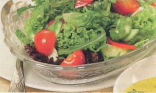 Reţete culinare - Salată cu dressing de mărar