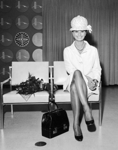 Sophia Loren at a Pan Am lounge