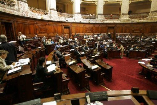 Uruguay aprueba ley contra la violencia de género