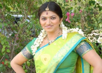 Keerthi-naidu-green-saree