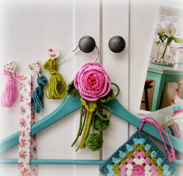 Crochet hanger decoration and lovely pot holder/granny square