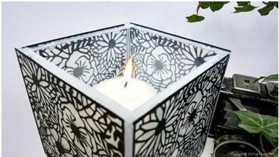 Wadah lilin romantis terbuat dari wadah CD bekas