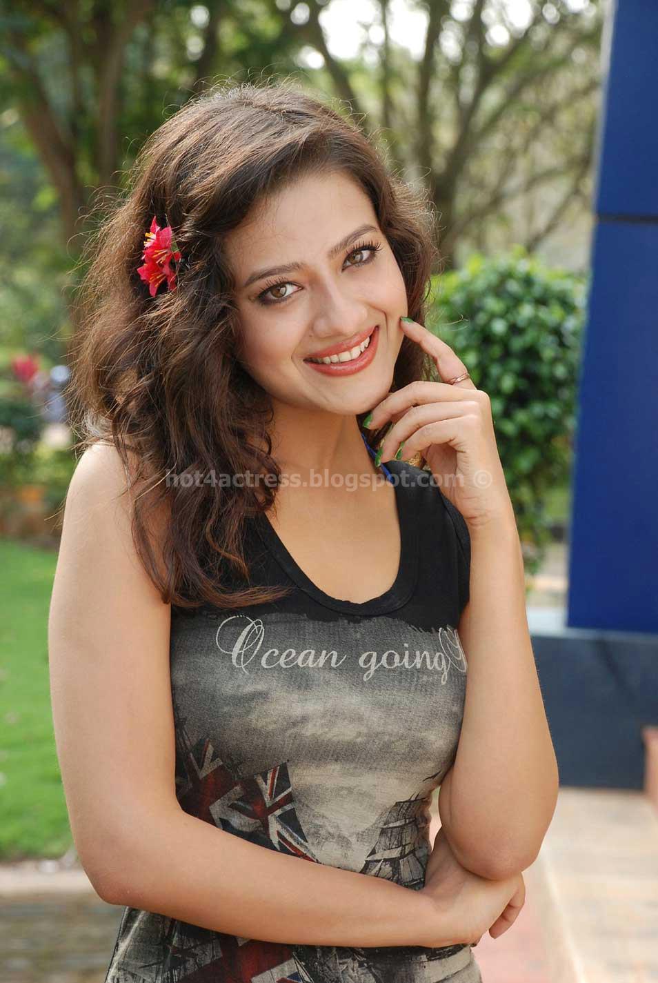 Madalasa sharma latest hot photos in black dress