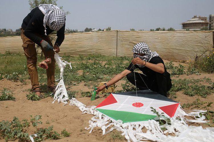 Israel: Kerugian Akibat 'Layang-Layang Api' Lampaui Kerugian Akibat Perang