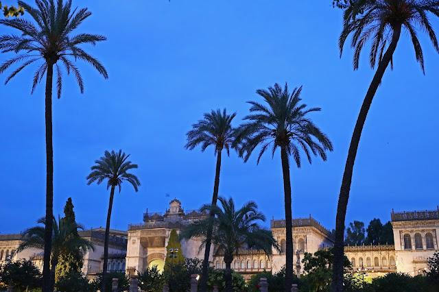 Museo arqueológico de Sevilla desde la plaza de América